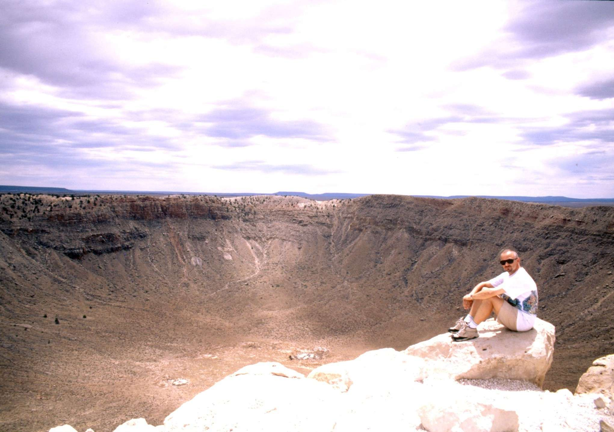 Meteor Crater: 219 KB; click on the image to enlarge